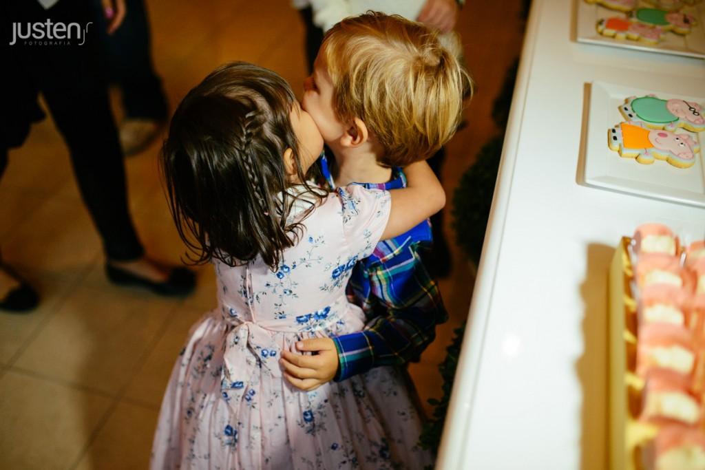 beijo criança sofia