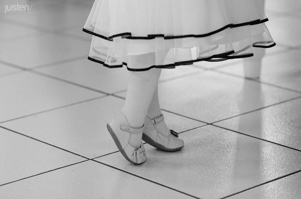 sapatinho criança na ponta dos pés bailarina