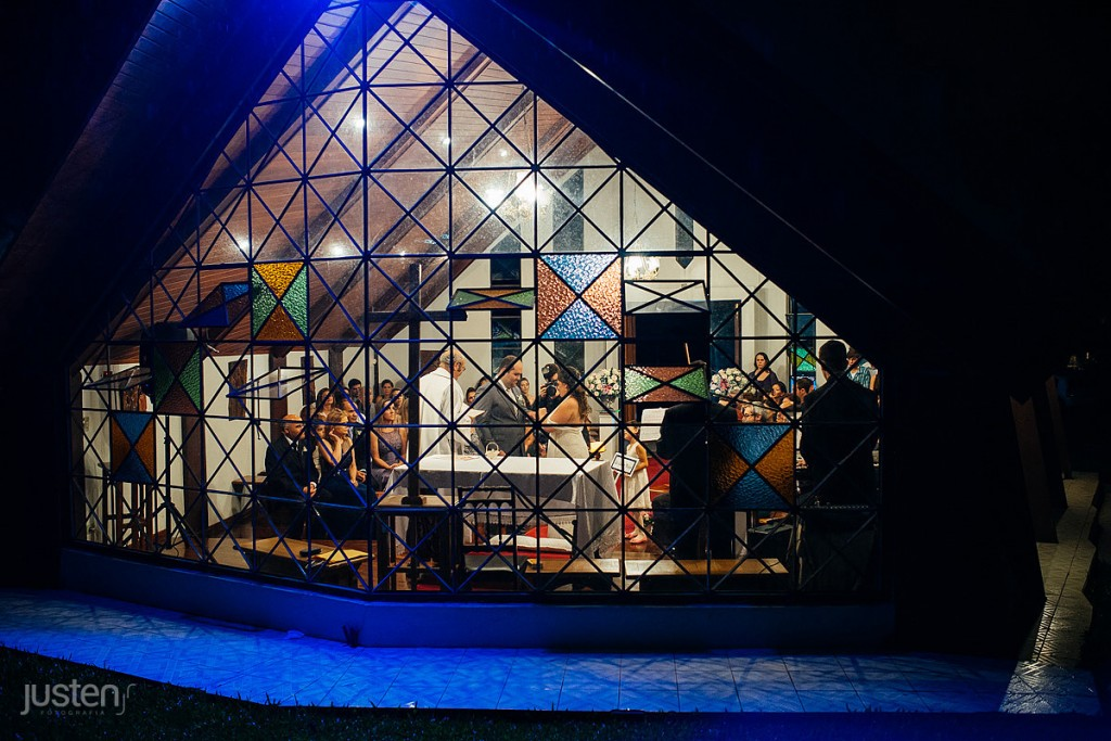 capelinha nossa senhora da salete, noite, igreja