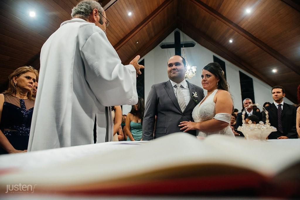 capelinha nossa senhora da salete, padre, igreja, noivos, noiva