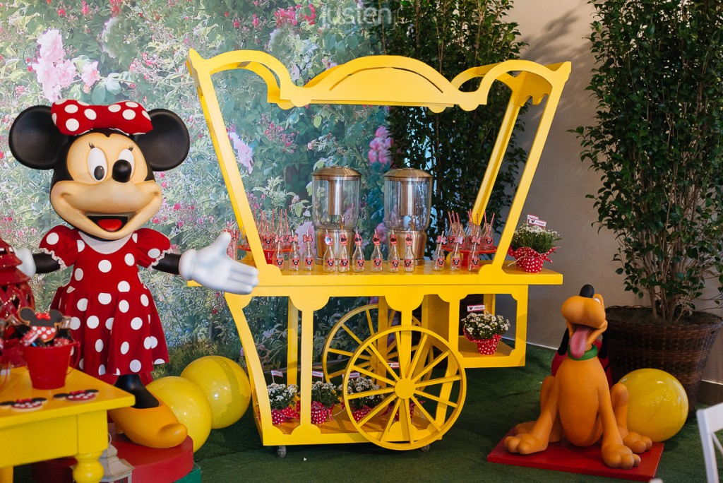 Miney Pluto mesa de suco happy fest happy fest curitiba