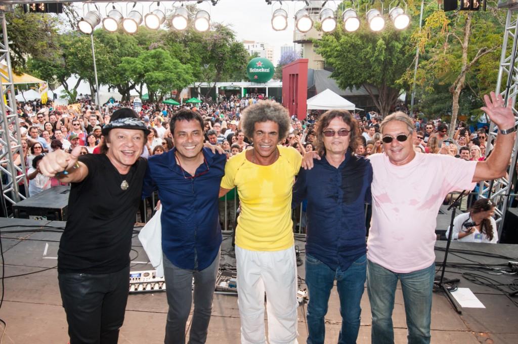 Armandinho com sua banda A Cor do Som!